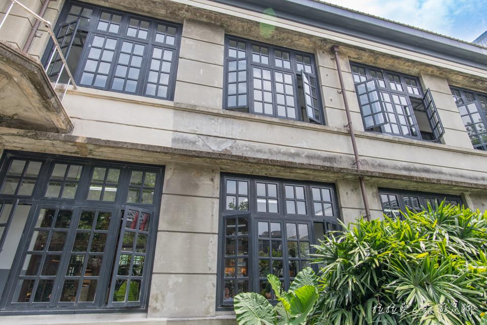 台北松山文創園區,徜徉於菸廠老建築中,感受全新創意與設計,絕佳的假日放鬆景點