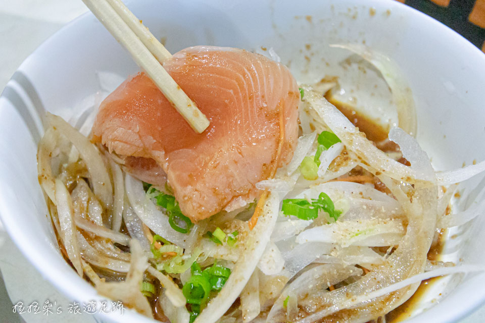 日本鹿兒島唐船峽流水麵,洋蔥鮭魚真的還不錯
