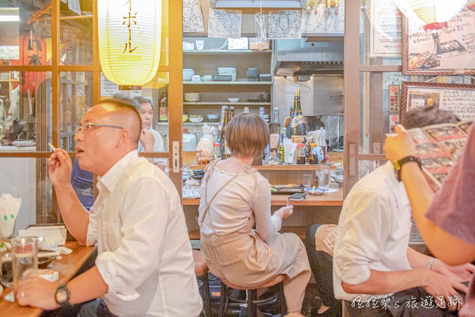 傍晚後再來日本鹿兒島屋台村,人潮很多,非常熱鬧