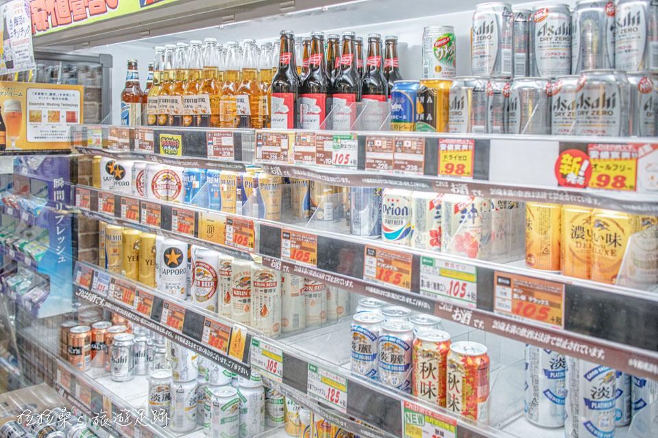 唐吉訶德鹿兒島天文館店的飲料區,有各種飲料、酒類等等讓大家挑