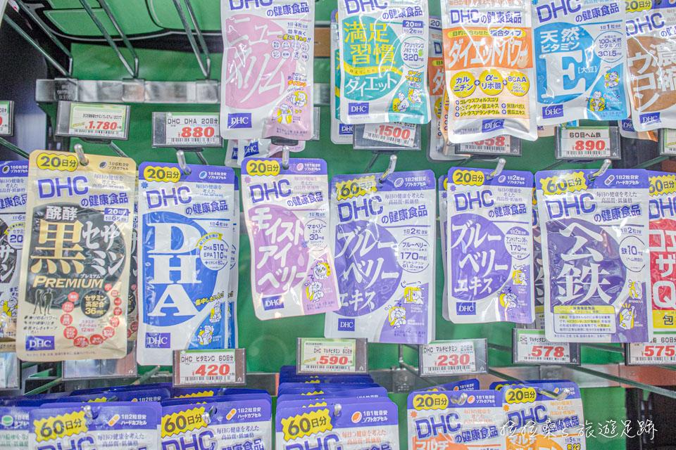 鹿兒島唐吉訶德天文館店藥品區的DHC維他命,價格都比台灣便宜不少