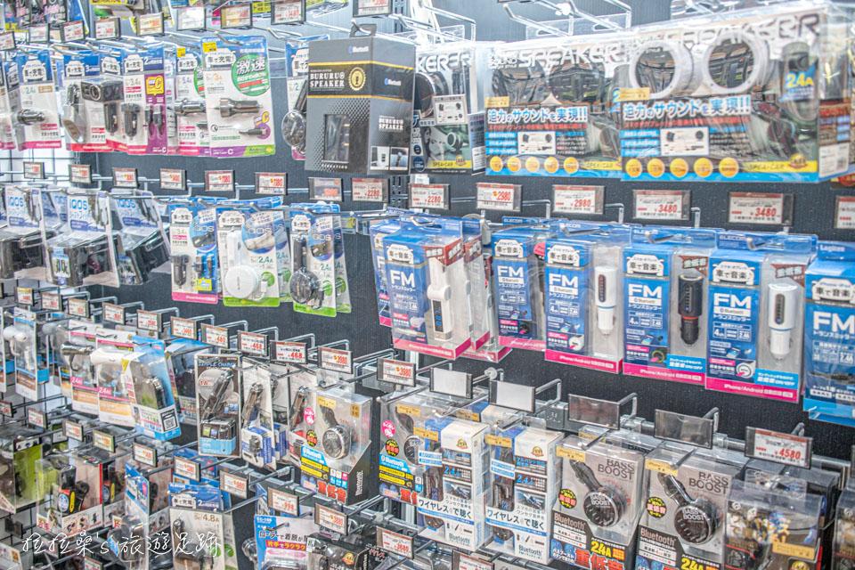 鹿兒島唐吉訶德天文館店,鐵三角耳機、手機配件、車用電子用品等都有