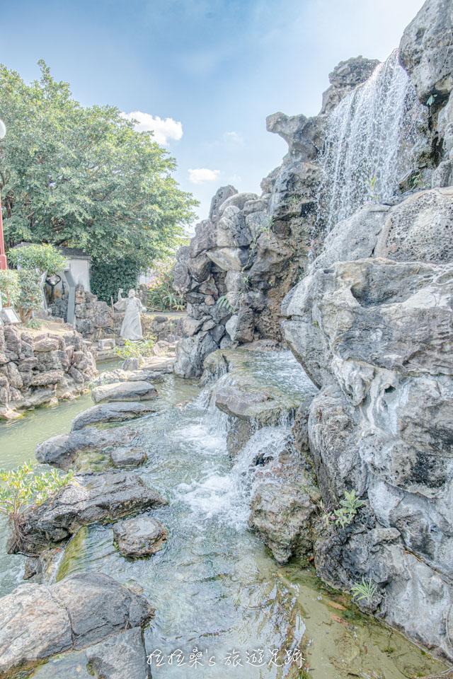 日本沖繩福州園的治山・治亭,假山、涼亭、瀑布融會的恰到好處