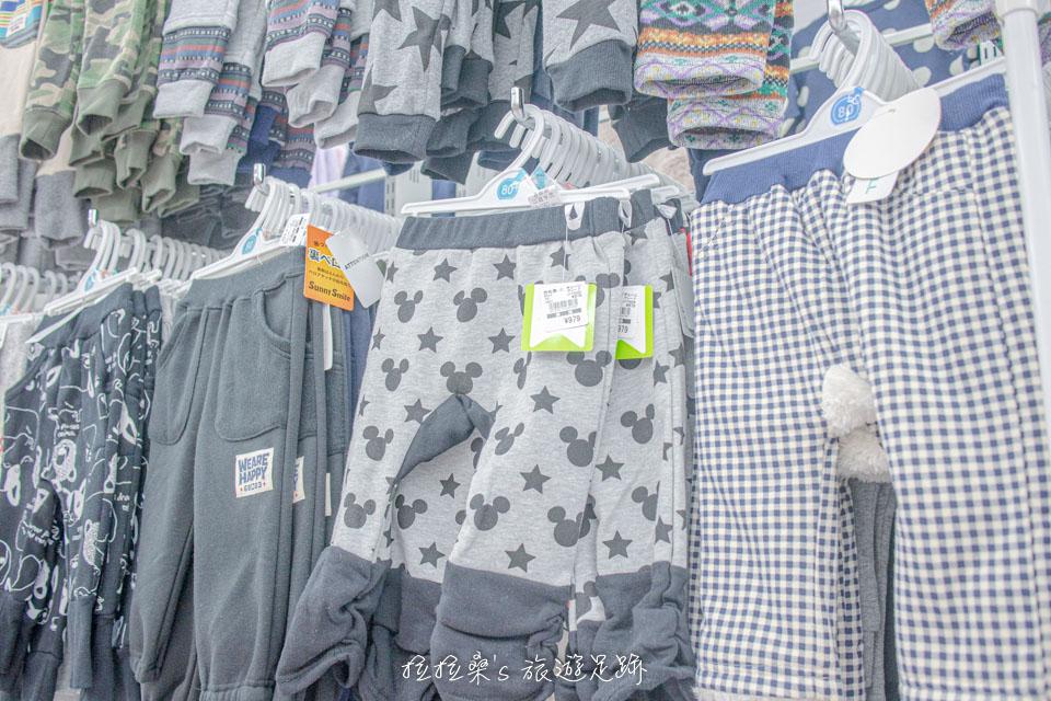 日本童裝天堂西松屋裡的品項選擇非常多,睡衣、包屁衣、上衣、短褲,到外出服、配件等應有盡有