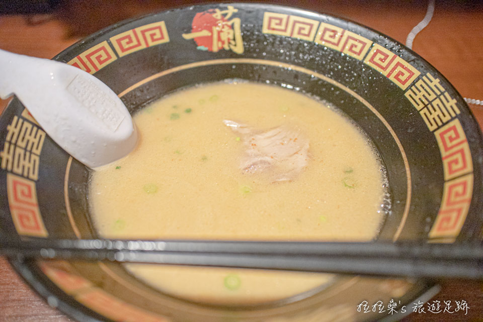 在一蘭拉麵要加麵記得留些湯
