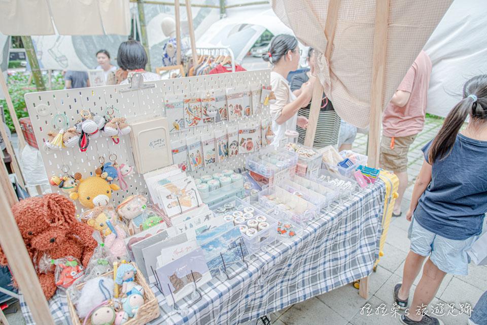 台中綠美丘藝術市集,有吃、有喝,也有許多手作小物、服飾等攤位