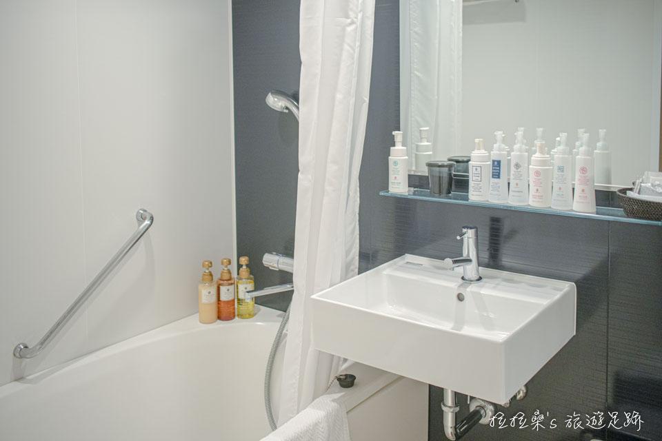 鹿兒島天文館之門飯店的衛浴,該有的備品都有