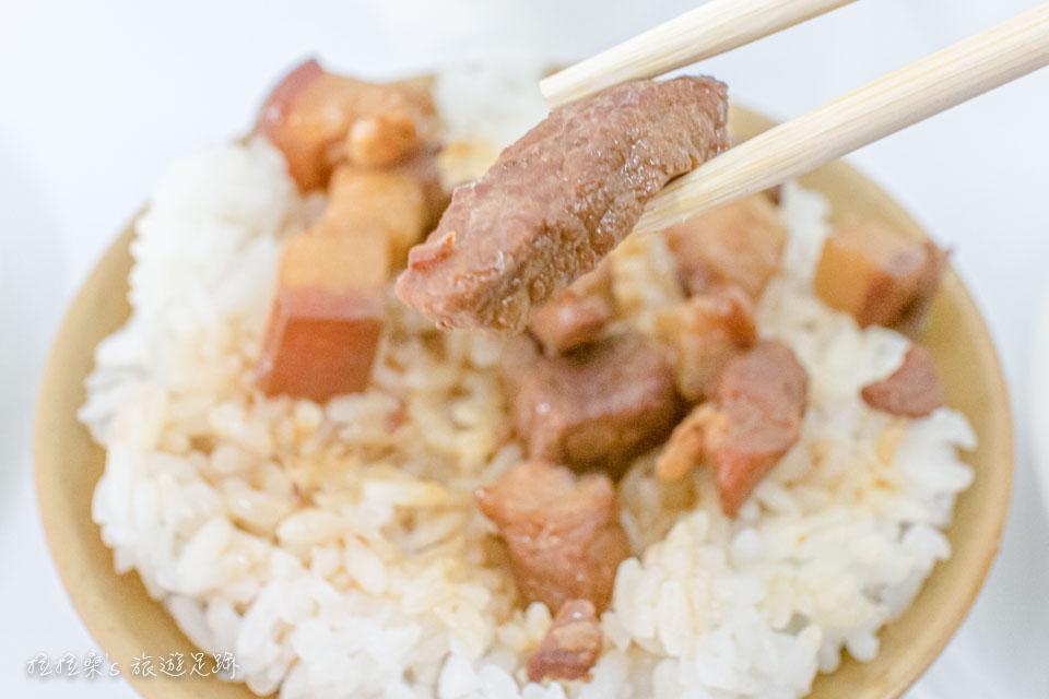台東中華早點,必吃的魯肉飯相當夠味,口感也非常軟嫩,有肥有瘦,吃起來一點也不乾柴