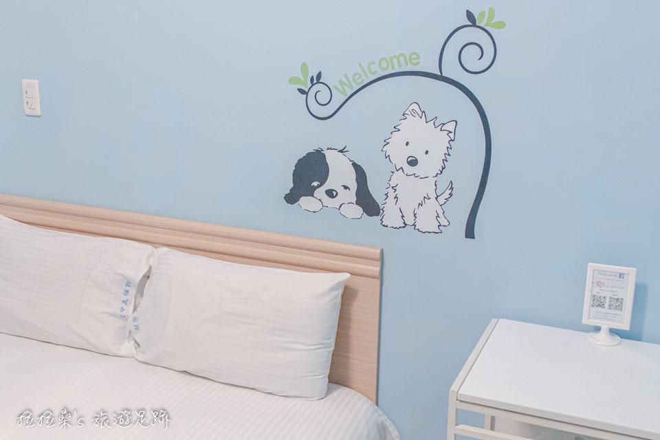 台中逢甲美宿館小小的房間裡,該有的通通都有,整理的也相當乾淨、整潔