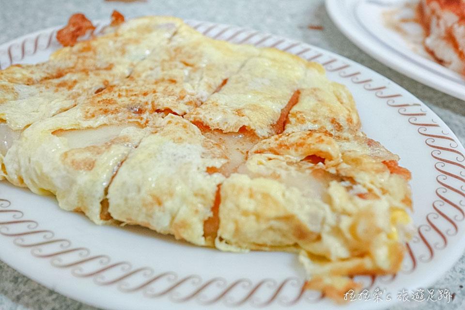 花蓮中福早餐店焦酥口味的加大蛋餅加蛋,份量算夠