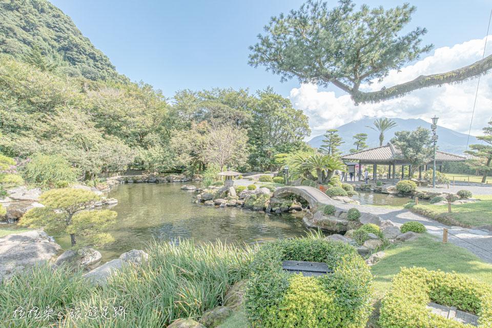 將遠方的活火山櫻島,融入庭院的山水造景,就是整個仙巖園最有看頭的地方