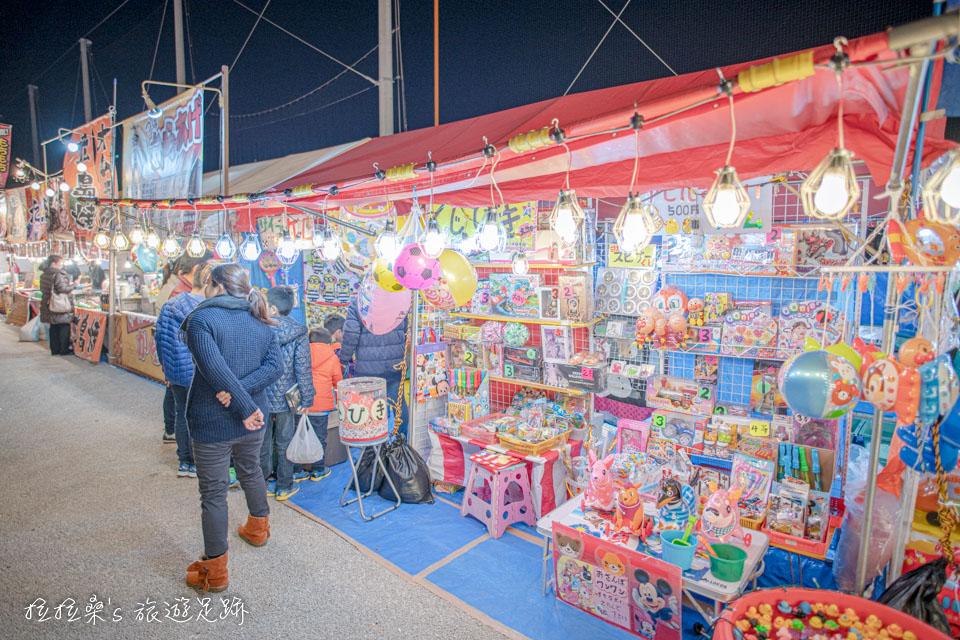 日本新年時的沖宮、市集,有孩子們最愛的遊戲攤位