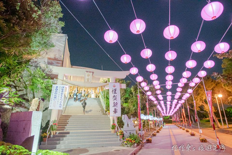 琉球八社之一的沖宮,就在沖繩的護國神社附近