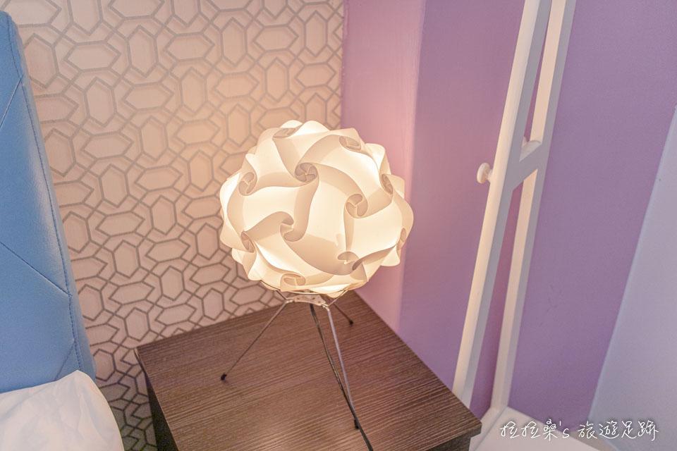 戀戀台東民宿很有設計感的小燈