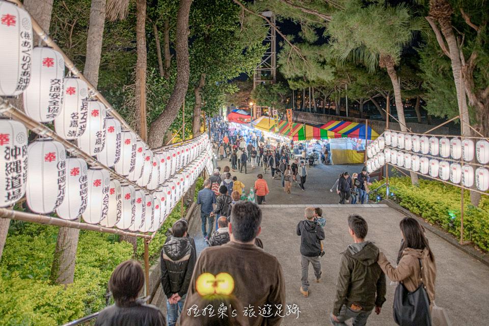 同樣在奧武山公園內的護國神社,元旦時一樣有新年祭典