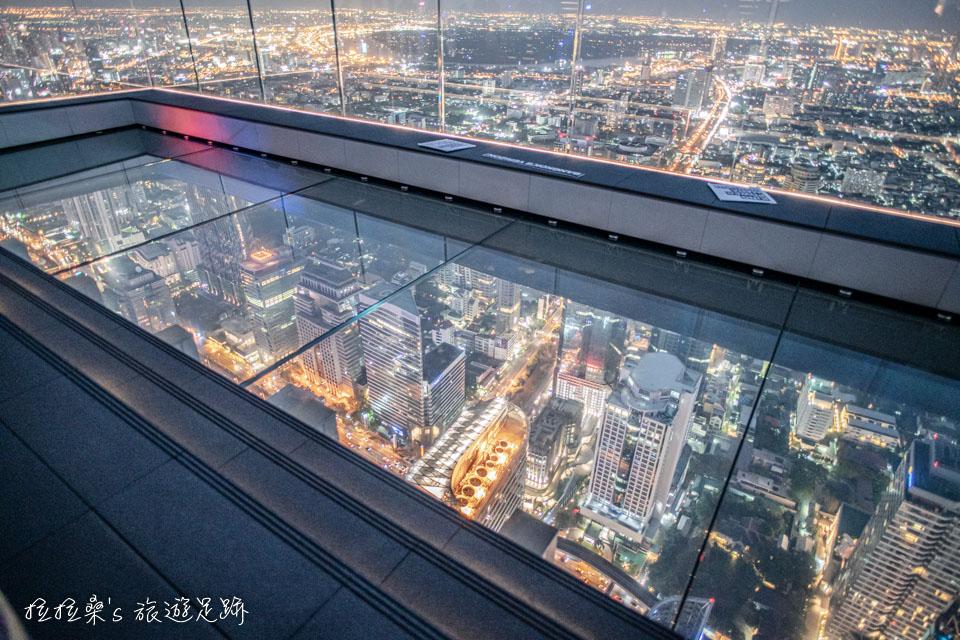 曼谷Mahanakhon Skywalk最受歡迎的透明玻璃地板