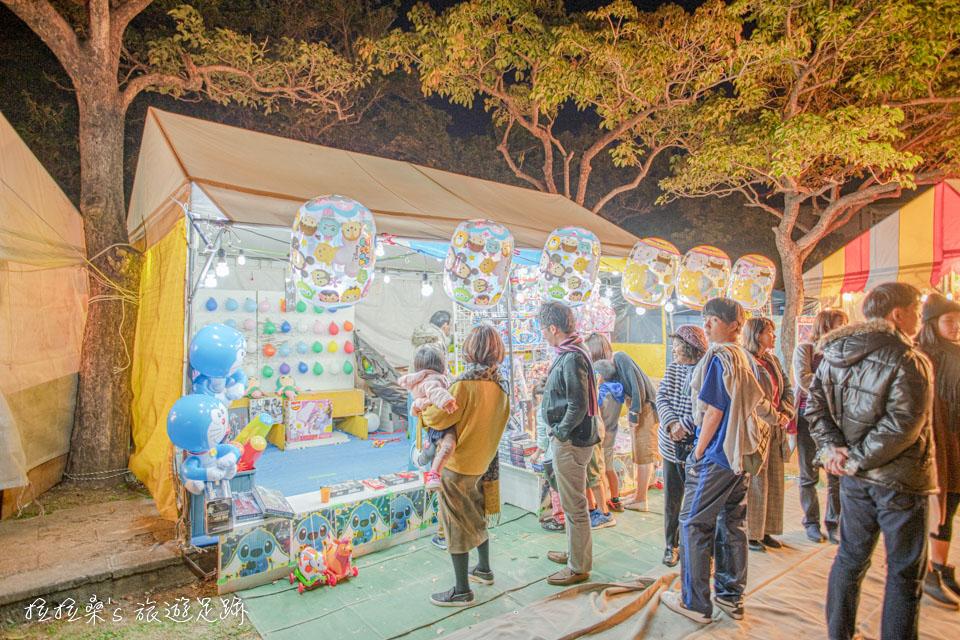 沖繩護國神社新年市集也有許多小朋在愛的遊戲攤位