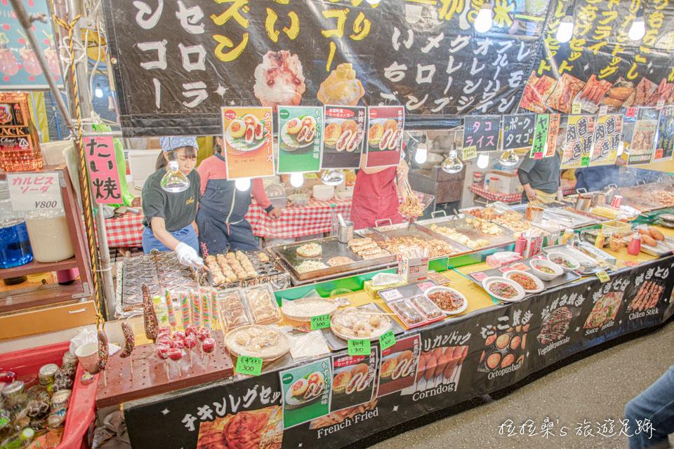 沖繩護國神社新年市集的小吃選擇很多,雖然不見得是必吃的美食,但很有那種夜市般的歡樂氣氛