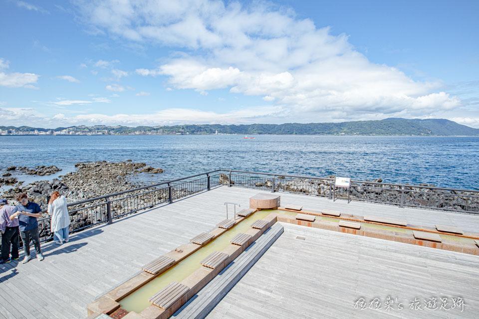 櫻島熔岩海濱公園的天然足湯長約100公尺