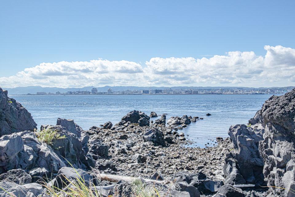 從櫻島溶岩なぎさ遊歩道能遠眺鹿兒島市景