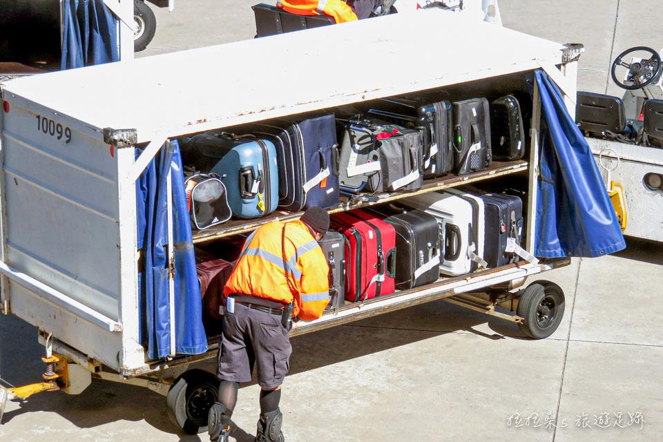 一般航空免費托運、手提行李限重整理,大買特買好實用