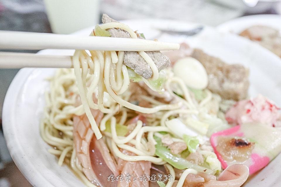 花蓮佳興冰果室的什錦炒麵料多、又好吃