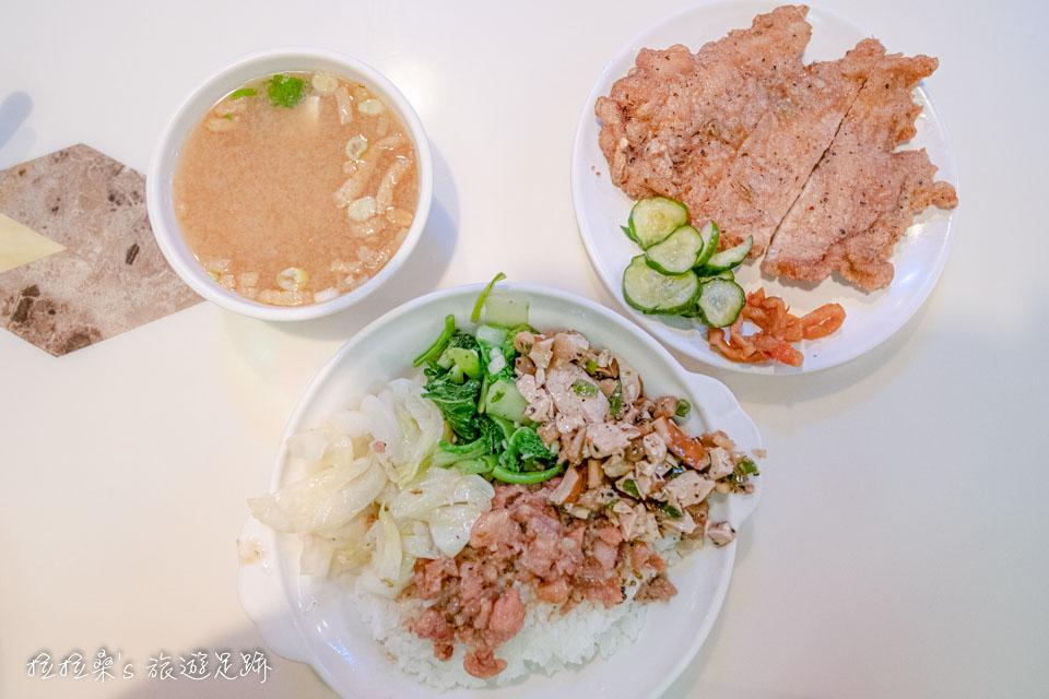 台北東一排骨,最正宗台式排骨飯,懷舊舞廳中的老台北美味