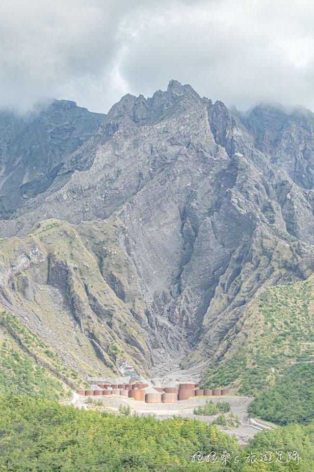 湯之平展望所能看見當時櫻島大正爆發時的火山口
