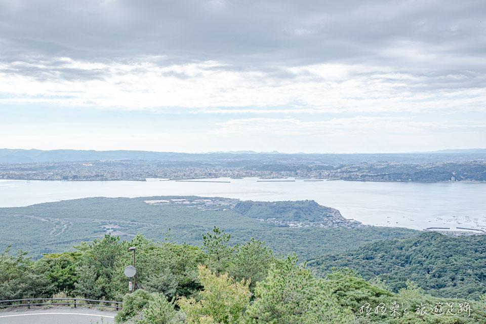 櫻島湯之平展望所也能欣賞整片鹿兒島的錦江灣海景