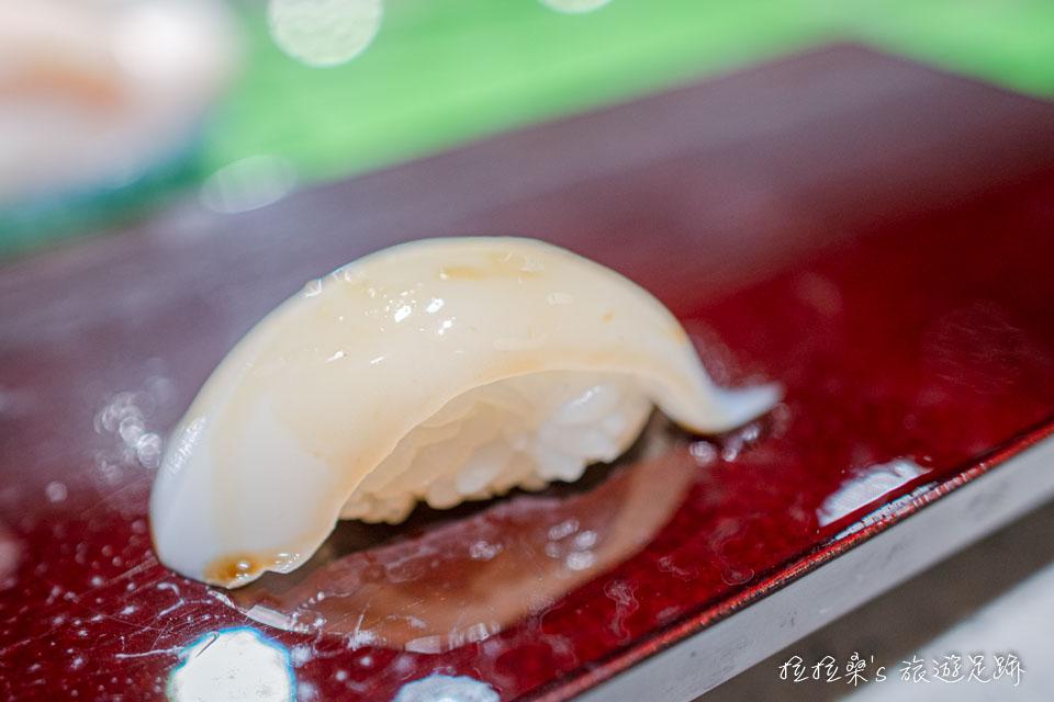 大和壽司的花枝握壽司,口感Q彈,但卻又十分好咬