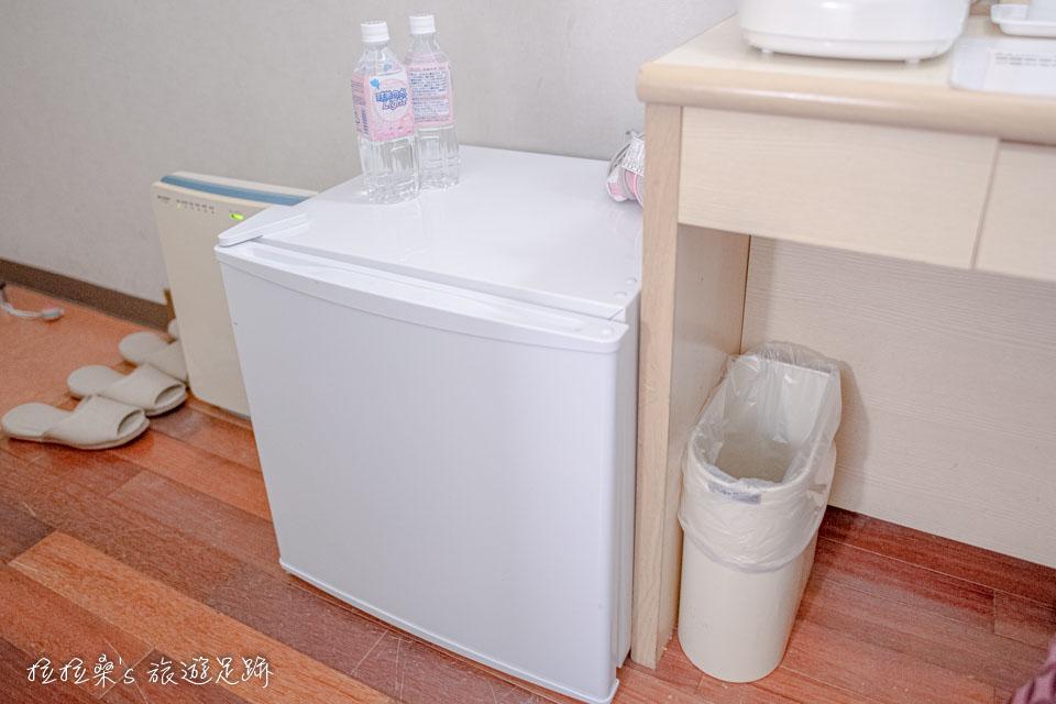 沖繩那霸公園球場飯店,客房的小冰箱