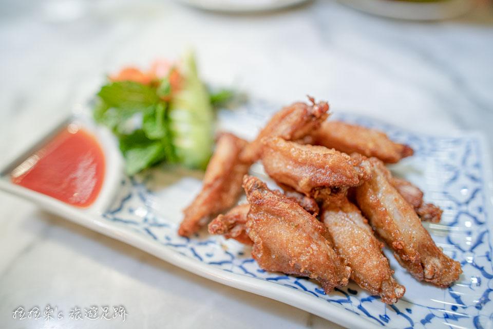 泰國曼谷 Harmonique 的炸雞翅口味意外的不錯