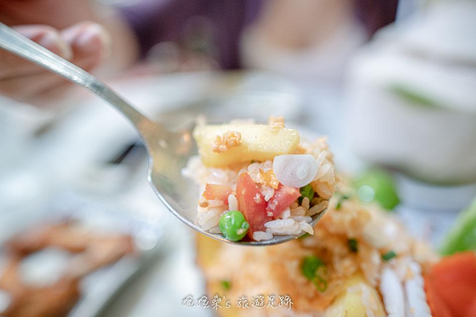 泰國曼谷 Harmonique 的鳳梨炒飯也很推薦,點的人也蠻多的