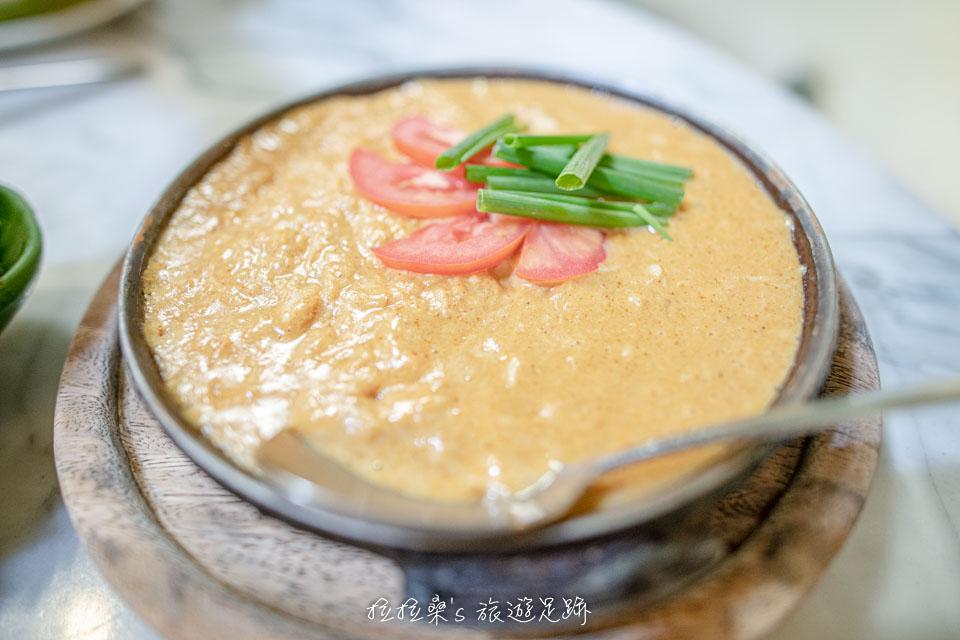 泰國曼谷 Harmonique 的蟹肉咖哩,帶著淡淡的甜味,配飯吃剛剛好
