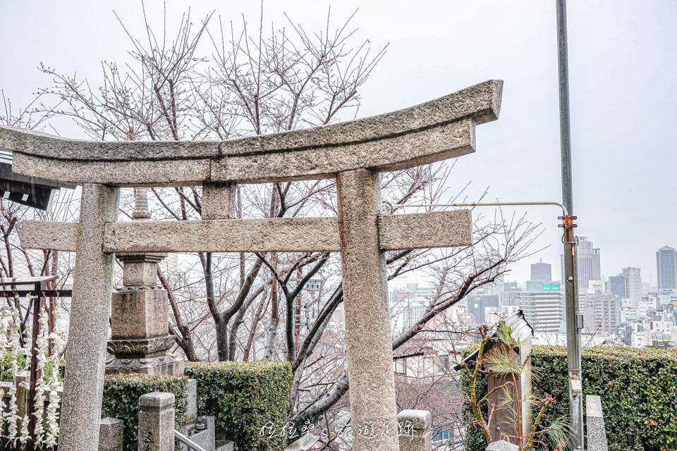 日本神戶北野天滿神社,從山坡眺望神戶市景,祈求學業、愛情運勢,北野異人館旁的神社