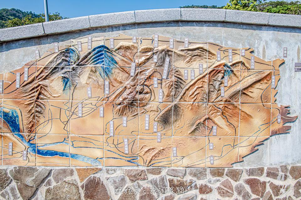 一路上也有北投社三層崎公園的簡介及附近的地理環境
