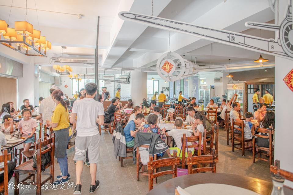 宜蘭礁溪庄櫻桃谷只要是用餐時間永遠是人潮滿滿