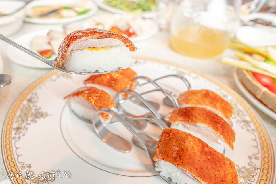 宜蘭礁溪庄櫻桃谷,美味多汁的烤鴨,多種吃法最滿足