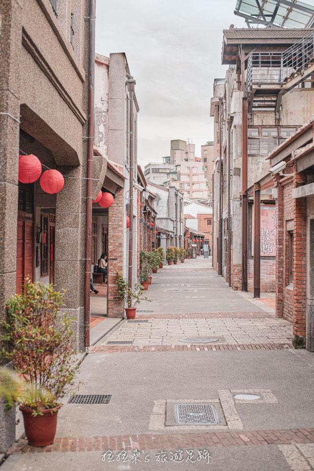 台北剝皮寮老街雖然不長,但懷舊感十足