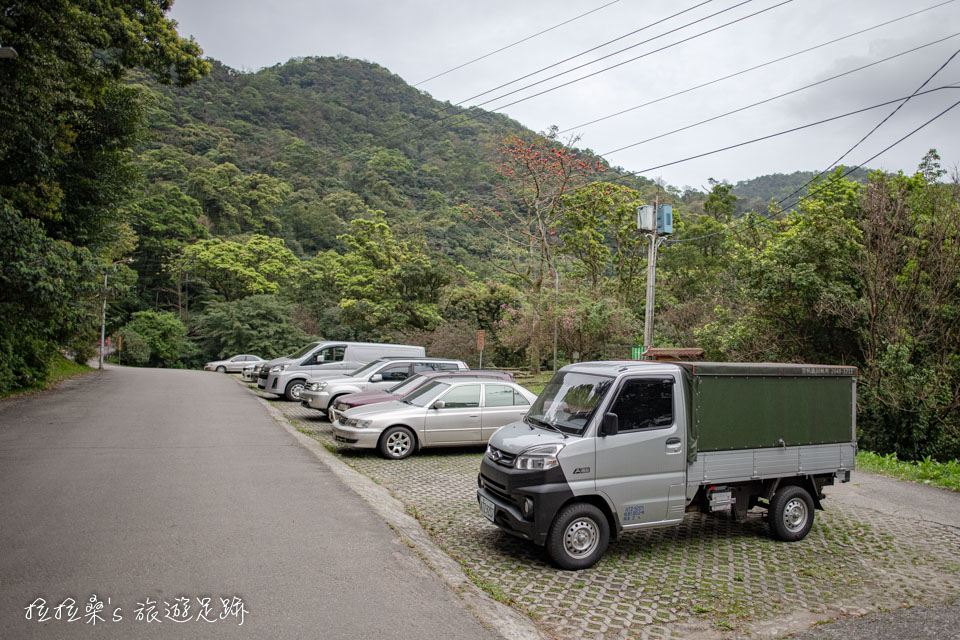 天秀宮附近有免費停車場可停車,交通很方便