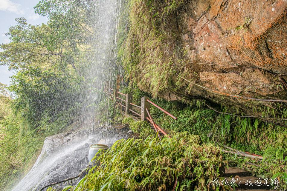 新店銀河洞瀑布的水勢多寡要看前幾天有沒有下雨