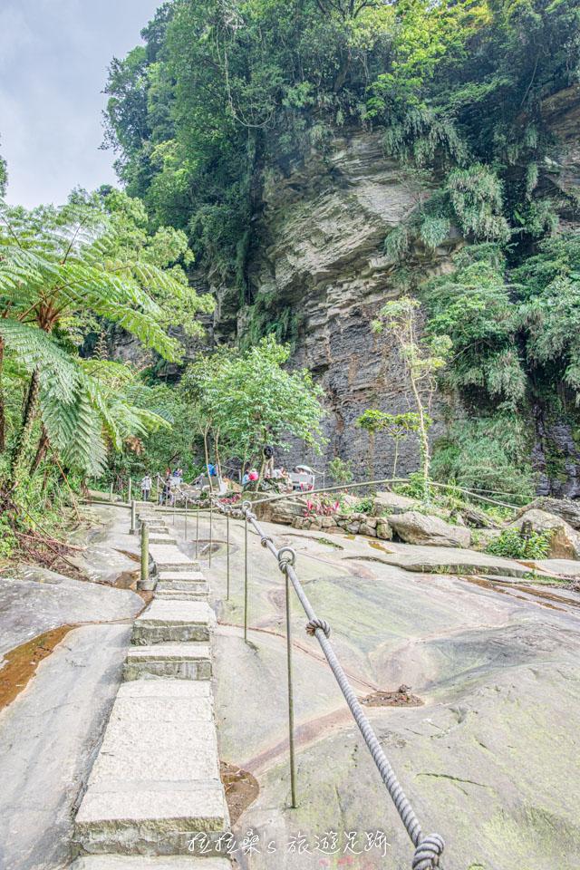 姜子寮絕壁步道最迷人的峭壁景觀