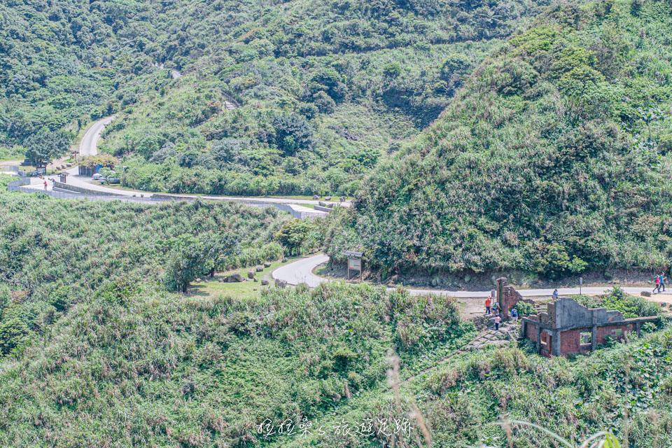 沿著天車間遺址旁的浪漫公路走個3分鐘就是茶壺山步道入口