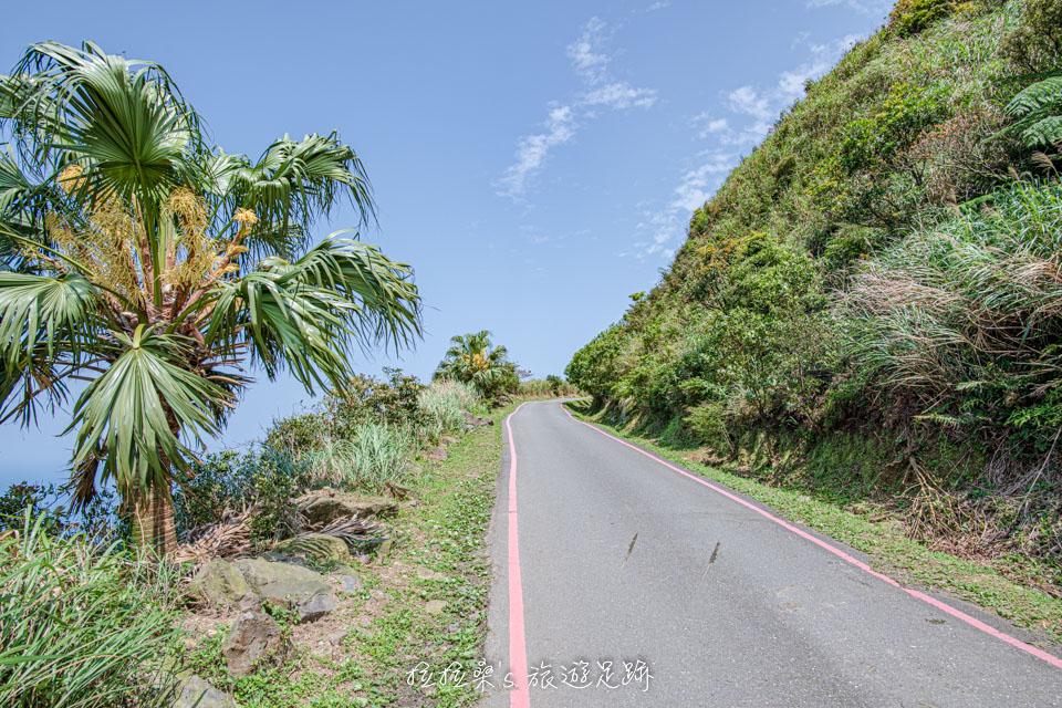 經過浪漫公路便能抵達茶壺山登山口