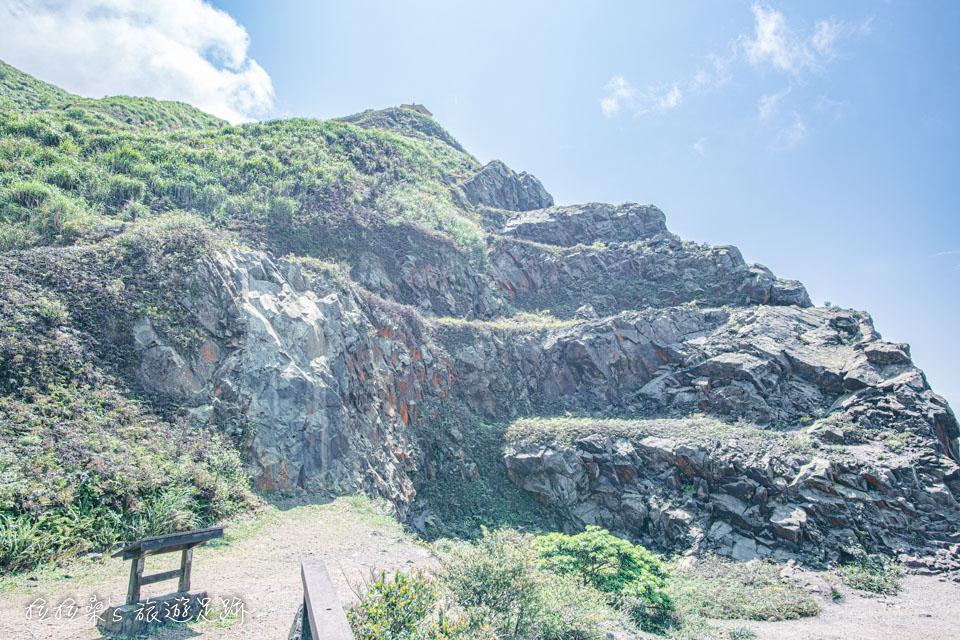 茶壺山觀景平台旁裸露的岩體