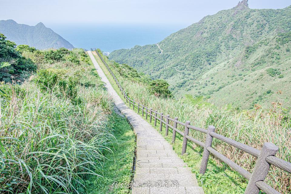 金瓜石本山礦場附近的海景步道