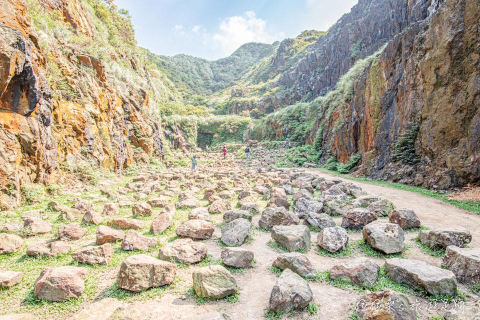 金瓜石本山礦場最特別的石頭陣