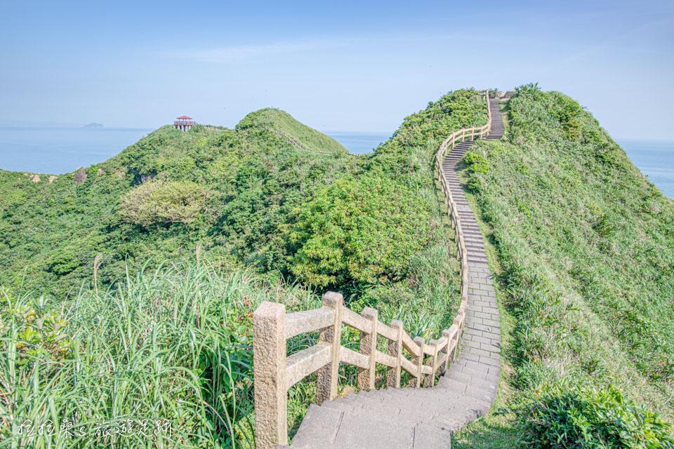 鼻頭角步道最美最迷人的山稜線