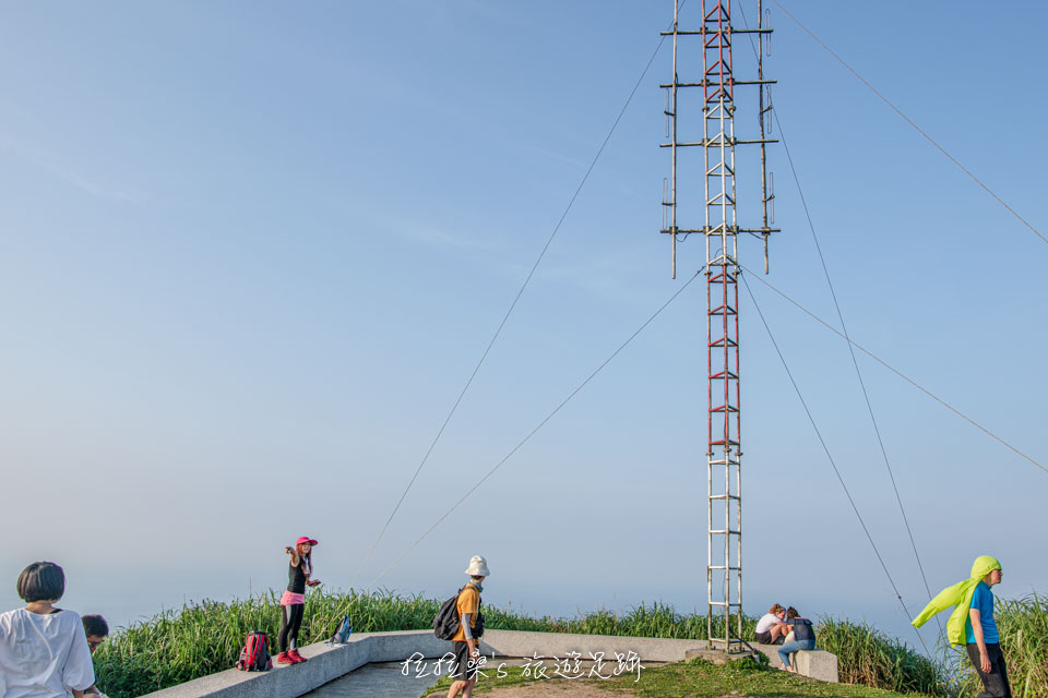 基隆山山頂上視野滿分的景觀平台