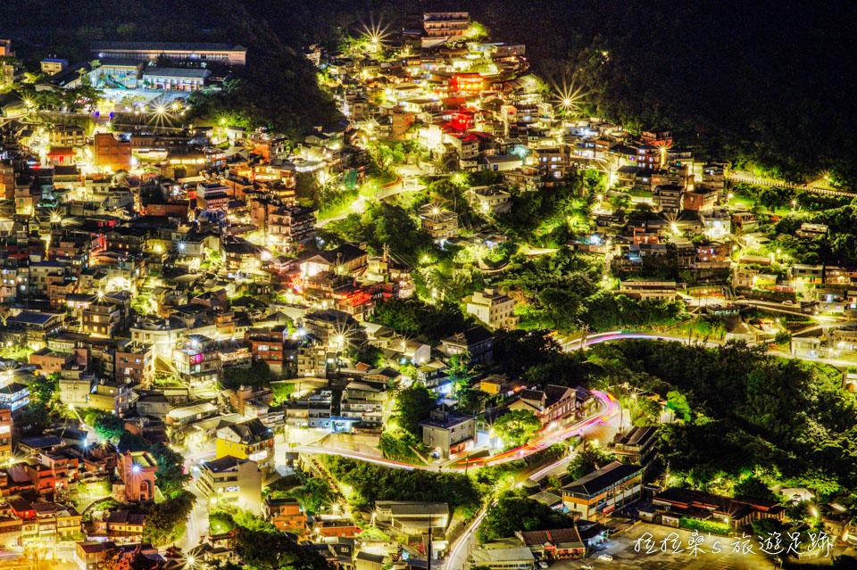 基隆山登山步道能欣賞最夢幻燦爛的九份山城夜景